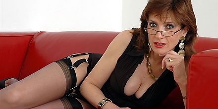 sexy british milf lady sonia in stockings and suspenders