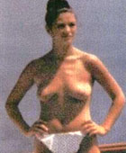 catherine zeta jones caught topless by the paparazzi